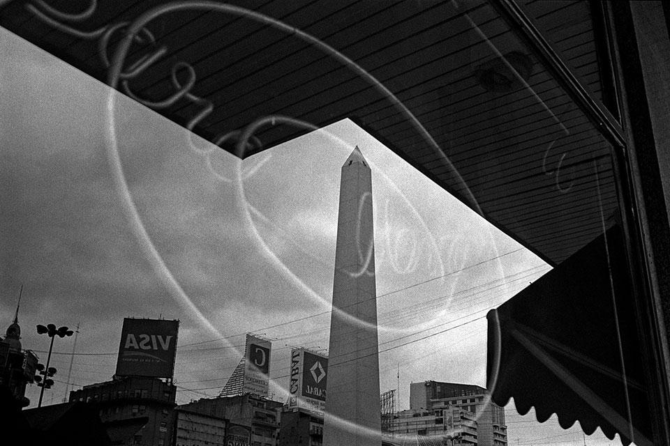 Obelisco y toldos